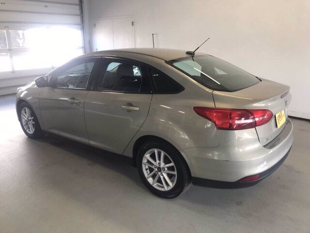 Used 2015 Ford Focus SE with VIN 1FADP3F21FL346417 for sale in Two Harbors, Minnesota